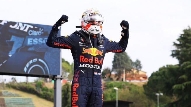 Verstappen confirma su candidatura con Sainz quinto y Alonso décimo