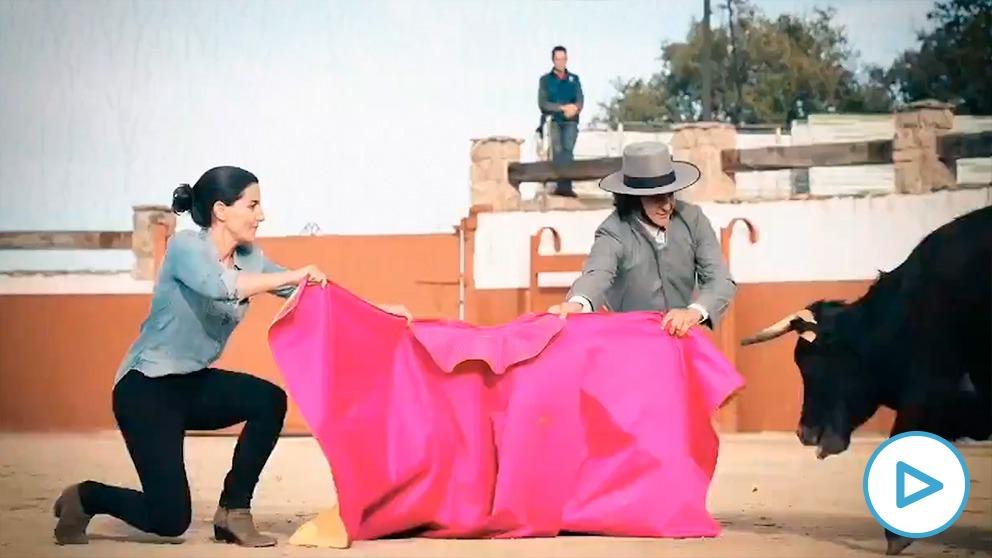 Rocío Monasterio junto a Morante de la Puebla en un vídeo electoral