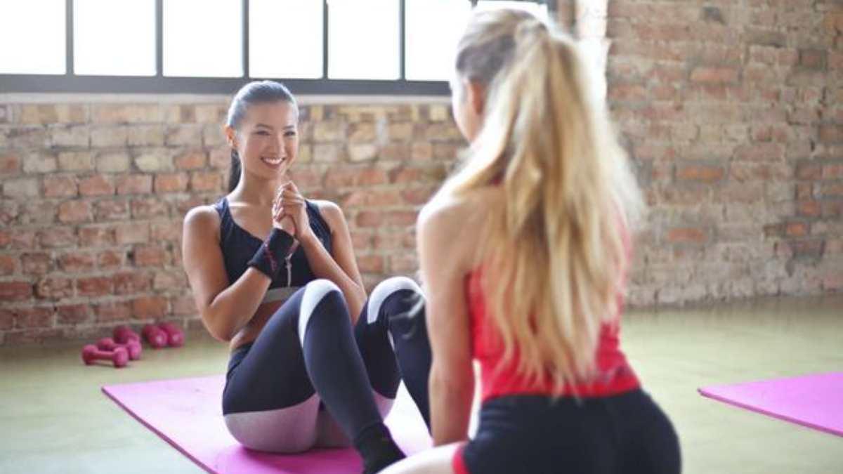 Los mejores ejercicios para hacer con un compañero