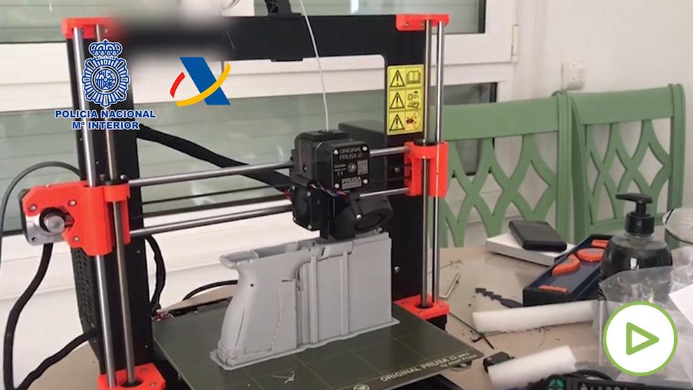 La Policía desmantela el primer taller ilegal de impresión de armas en 3D en España