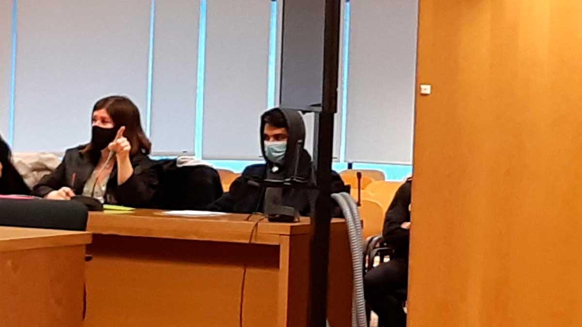 Alberto S. G., conocido como el 'caníbal de Ventas', durante el juicio por asesinar a su madre y comérsela. Foto: EP