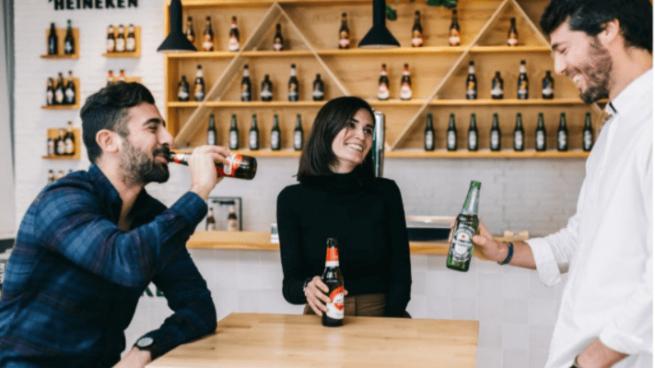 Día del Libro: ¿Qué tipo de cerveza marida con cada género literario?