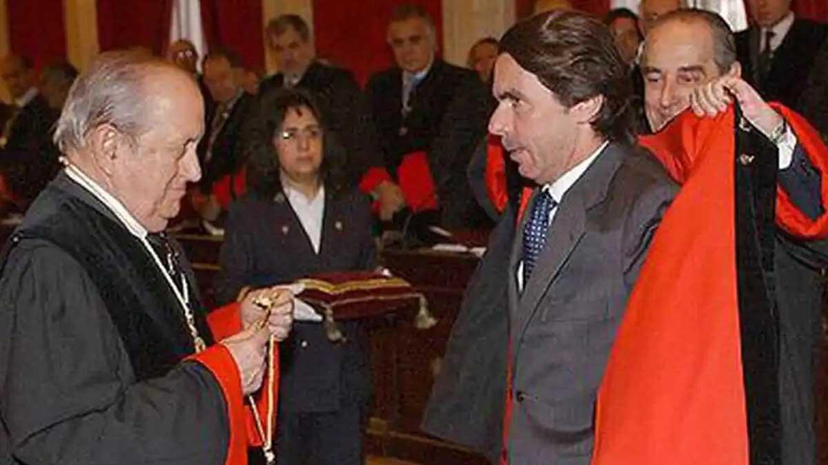 Puig de la Bellacasa junto a José María Aznar. Foto: EFE