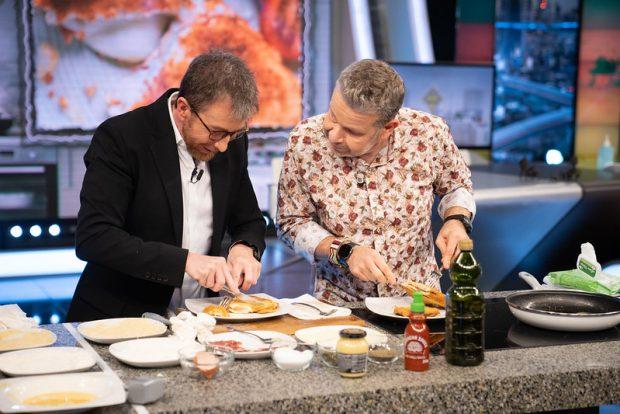 El hormiguero vivió una clase de cocina de Chicote a Pablo Motos en directo