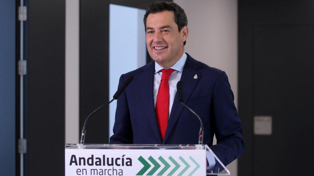 Juanma Moreno, este viernes en Almería (Foto: Rafael González / Europa Press).