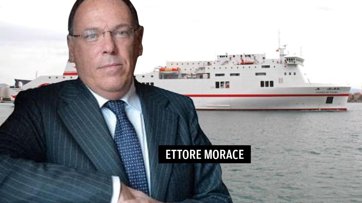 El nuevo consejero delegado de Trasmed GLE, Ettore Morace, ante una imagen del buque Ciudad de Palma, vendido por Trasmediterránea a Grimaldi.