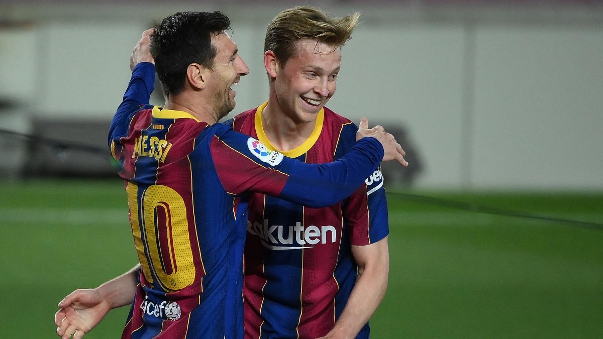 De Jong celebra un gol esta temporada acompañado de Leo Messi. (AFP)