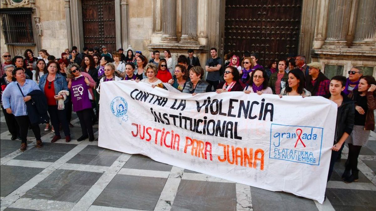 Concentración en Granada por Juana Rivas (Álex Cámara / Europa Press).