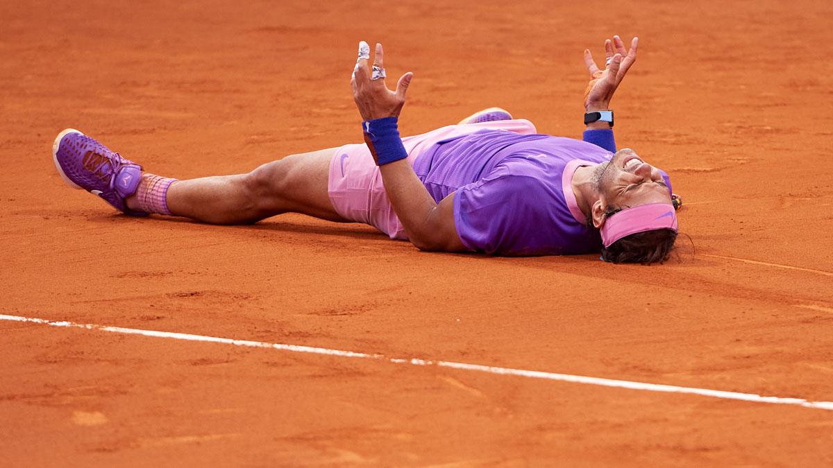Nadal, tras ganar el punto decisivo en su victoria en el Godó (Getty)