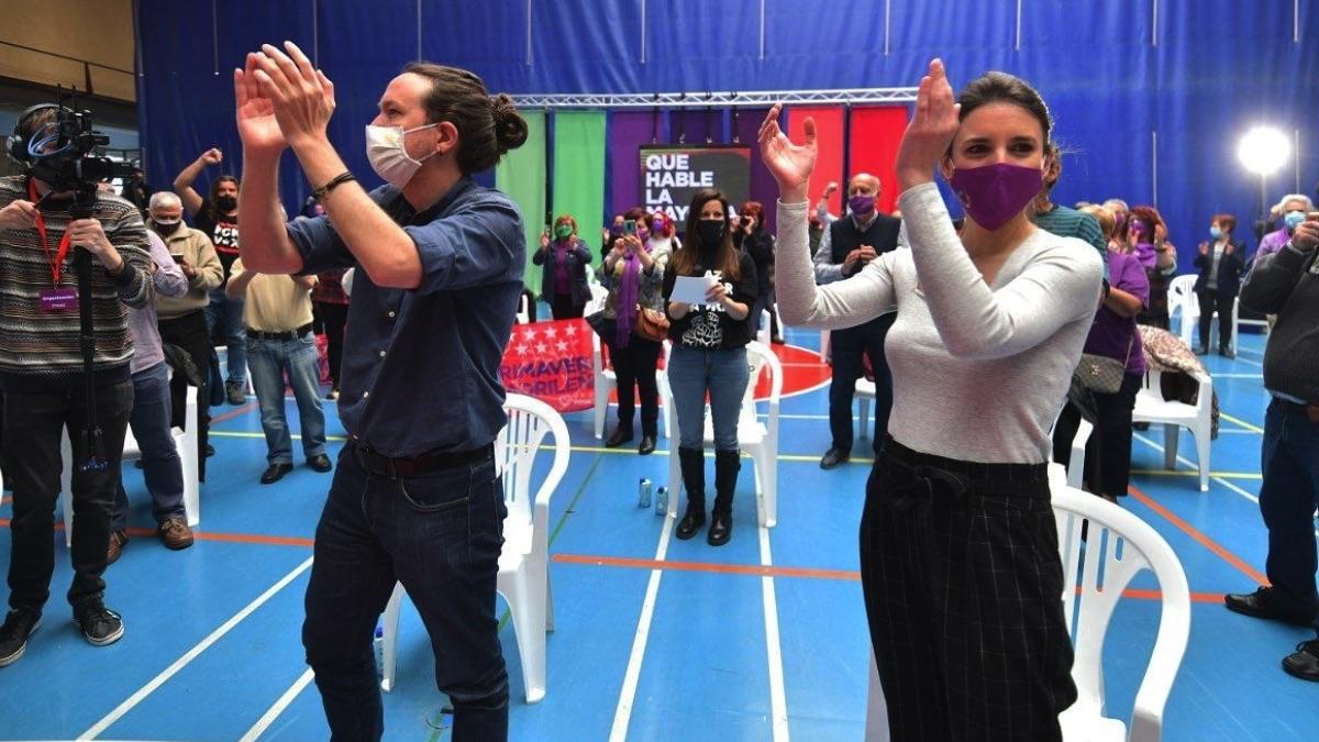 Irene Montero y Pablo Iglesias, en Getafe. (Foto: Pool)