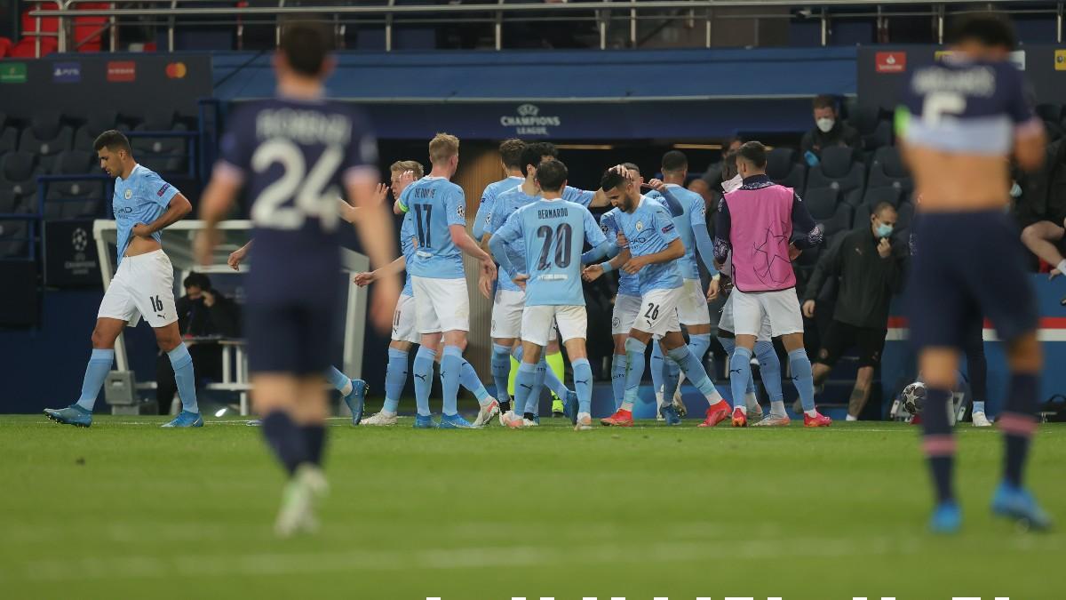 Los jugadores del City celebran el 1-2. (Getty)