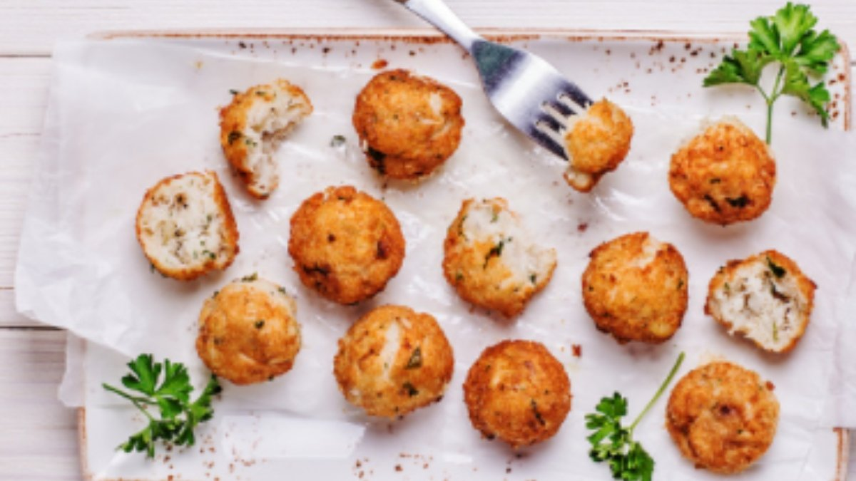 5 recetas de buñuelos caseros de bacalao fáciles de preparar
