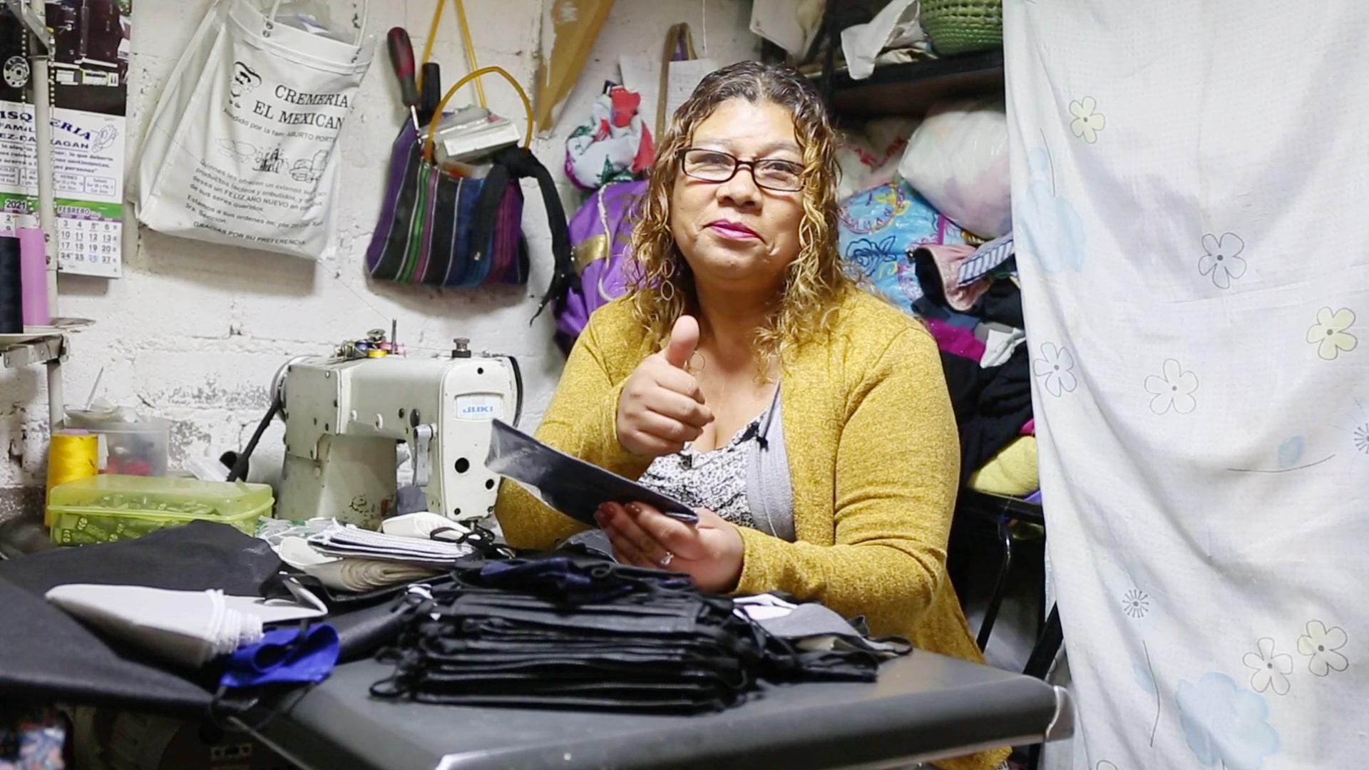 Virginia Álvarez trabajando en su taller. @BancoSantander