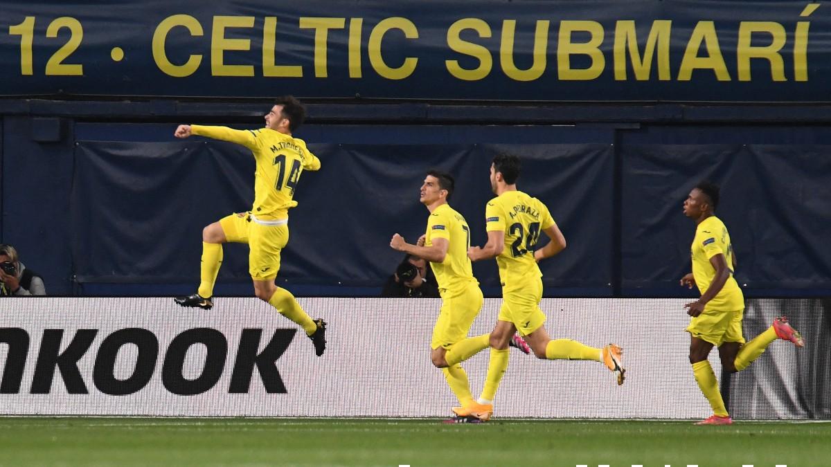 El Villarreal celebra un gol ante el Arsenal. (AFP)