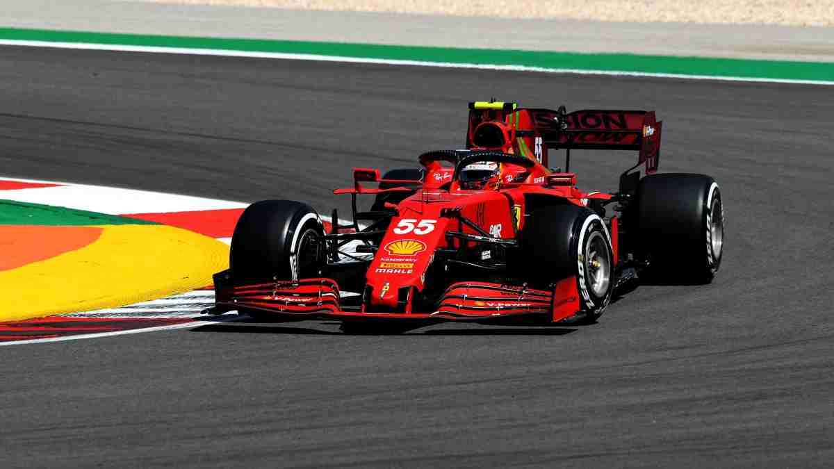 Carlos Sainz en el Gran Premio de Portugal. (@ScuderiaFerrari)