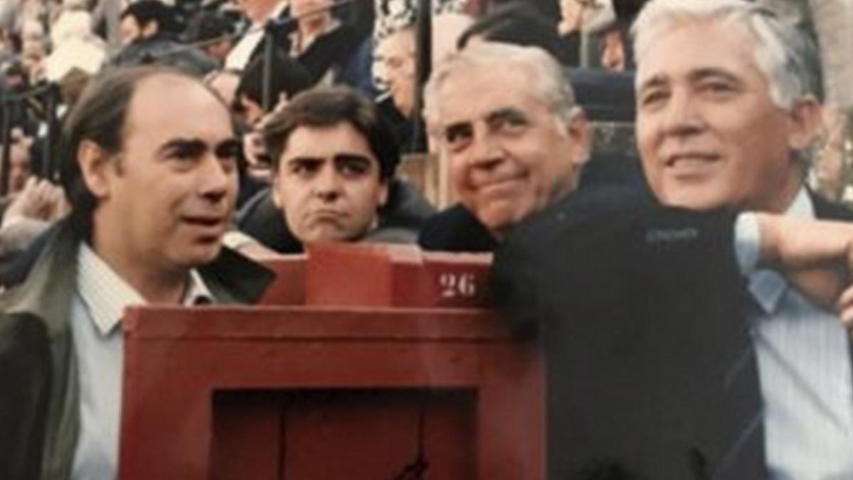 Teodoro 'Matilla' García (primero por la izqda.)