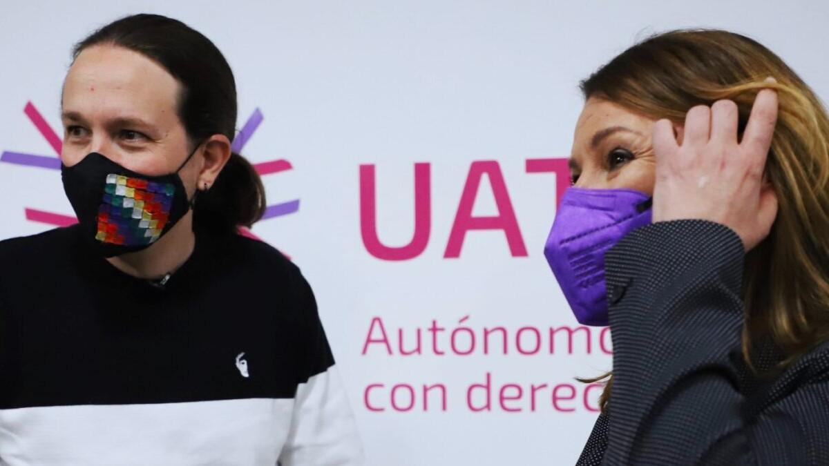 Pablo Iglesias y María José Landaburu, directora de Uatae.