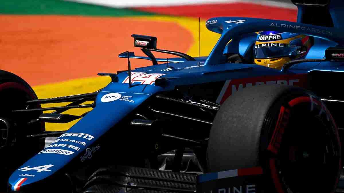 Fernando Alonso en la sesión de clasificación del Gran Premio de Portugal. (AFP)