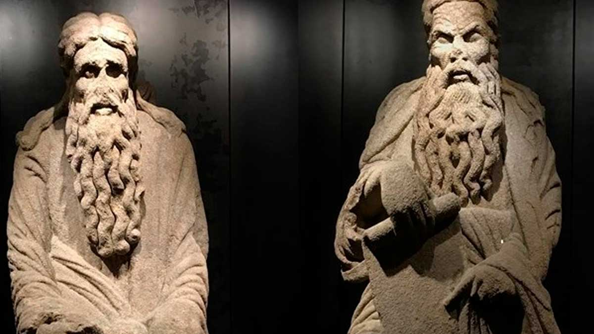 Las estatuas de Isaac y Abraham del Mestre MAteo en el Pazo de Meirás.