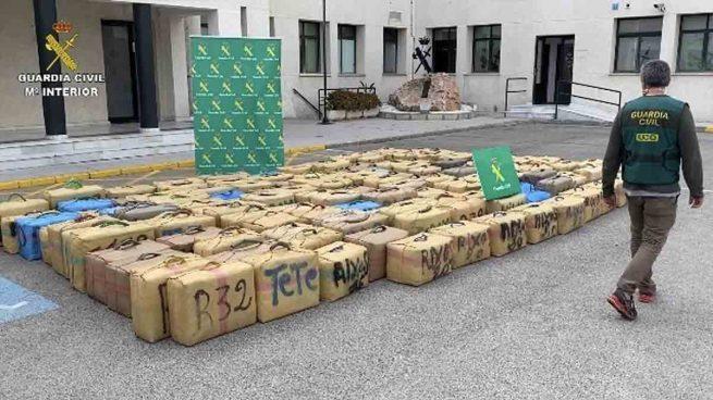 Ocho detenidos tras intervenir cinco toneladas de hachís a una organización de España, Marruecos e Italia