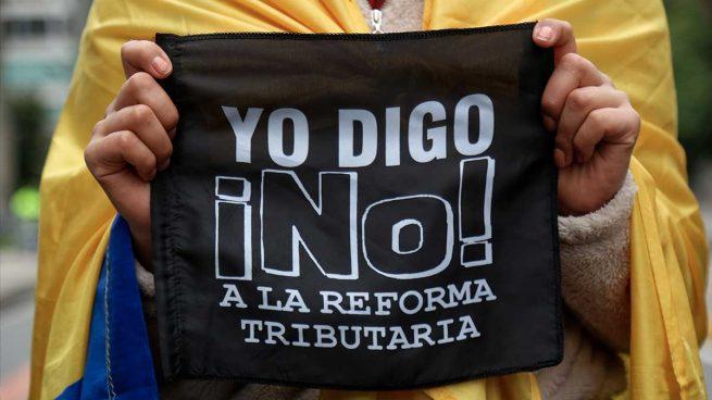Dimite el ministro de Hacienda de Colombia para propiciar el «consenso» tras las violentas protestas