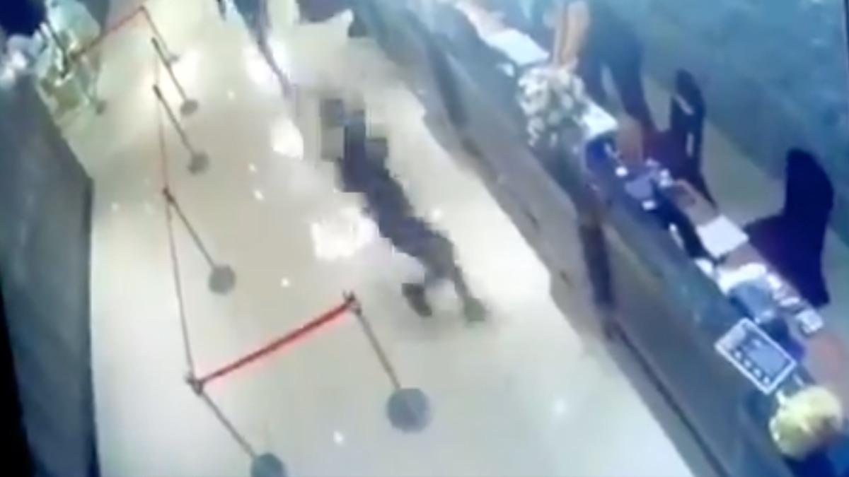El asaltante de las cucarachas