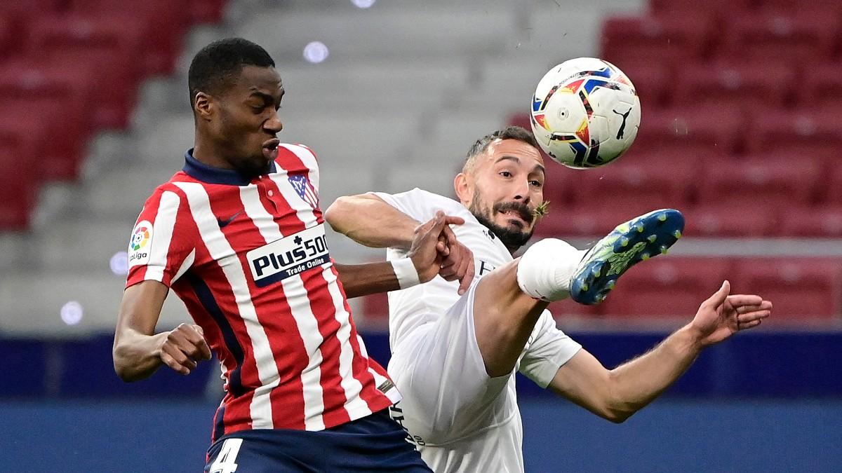 Kondogbia durante un partido con el Atlético. (AFP)