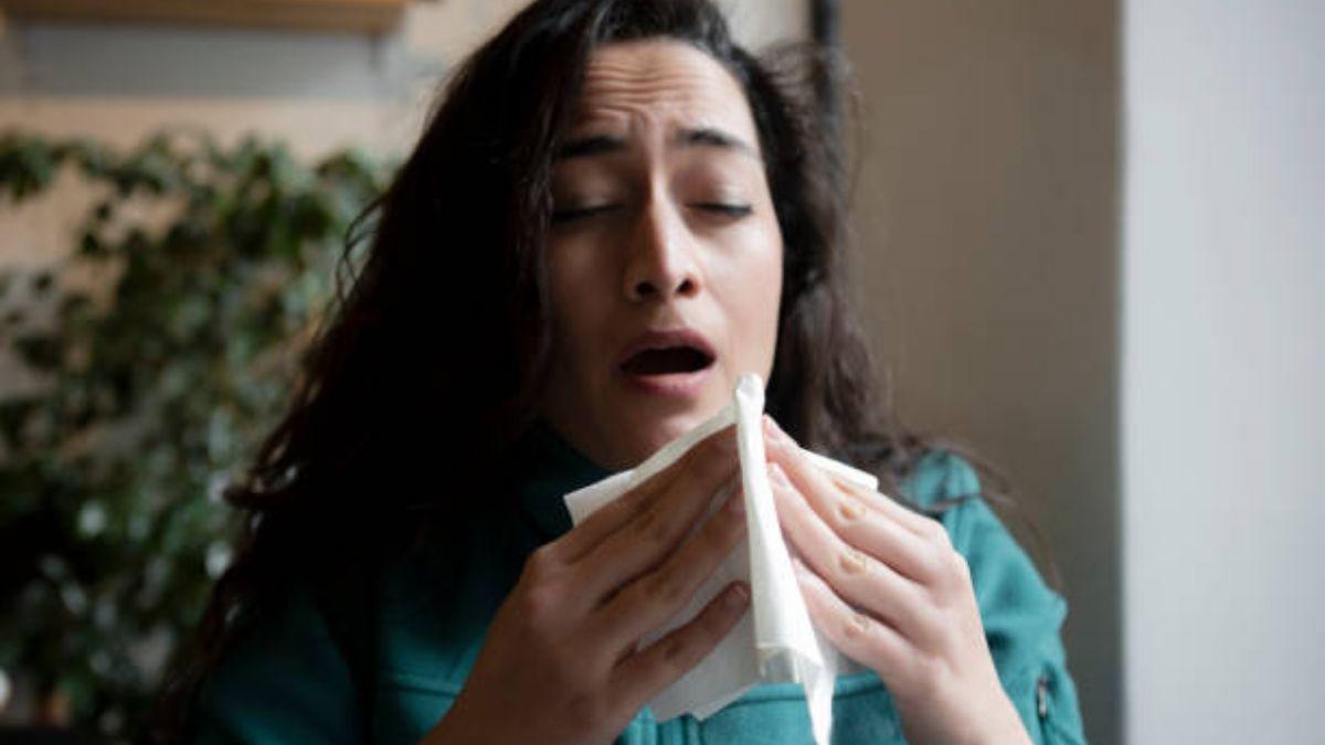 La razón por la que cerramos los ojos cuando estornudamos