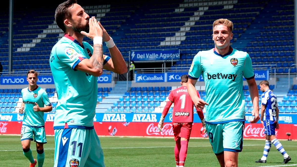 Morales celebra un gol contra el Alavés. (EFE)