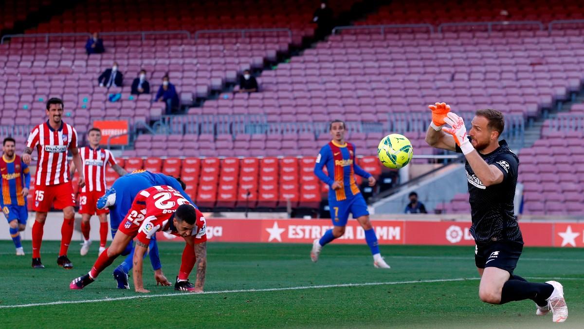 Oblak durante el partido ante el Barcelona. (EFE)