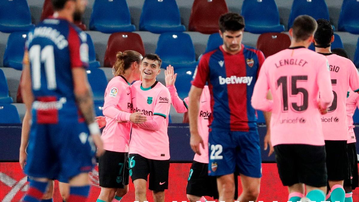 Los jugadores del Barcelona celebran un gol. (EFE) (1)