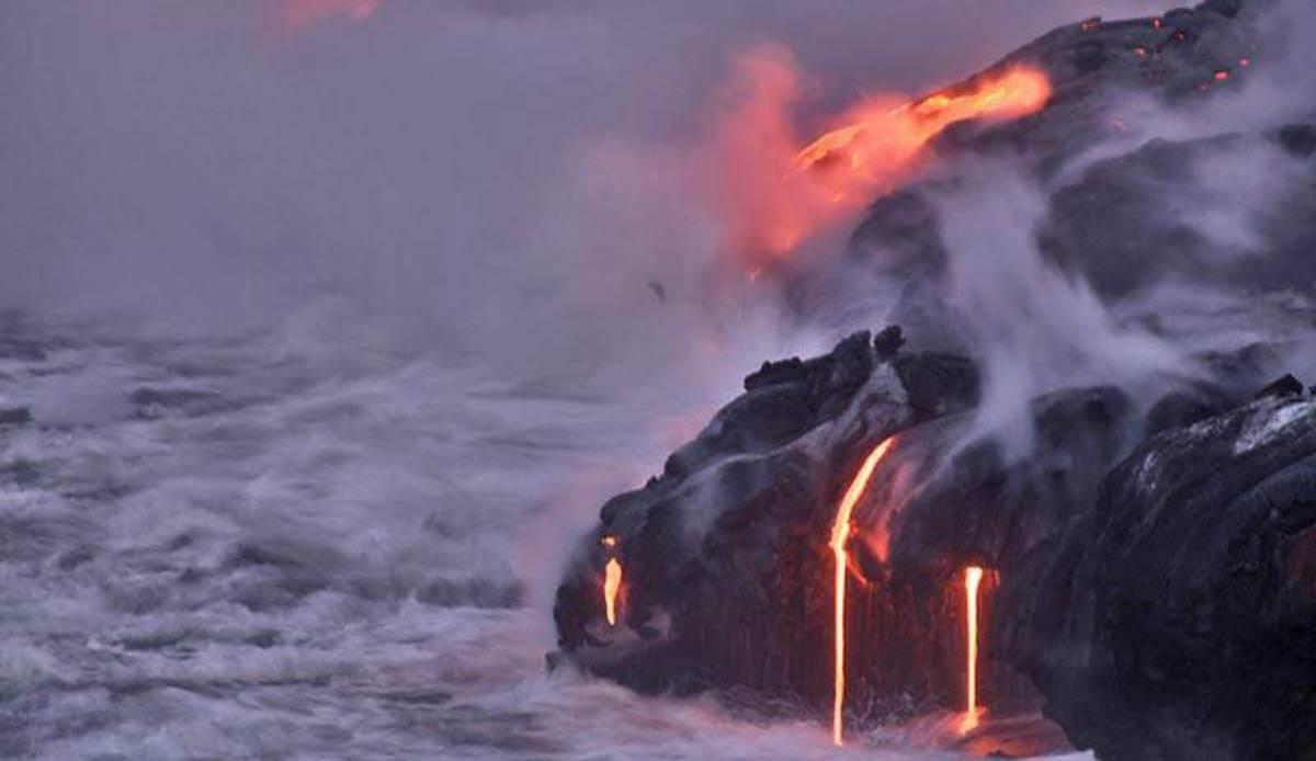 Científicos exploran lava hawaiana