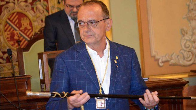 Pillan al alcalde separatista de Lérida cenando en un restaurante que incumplía el horario de cierre