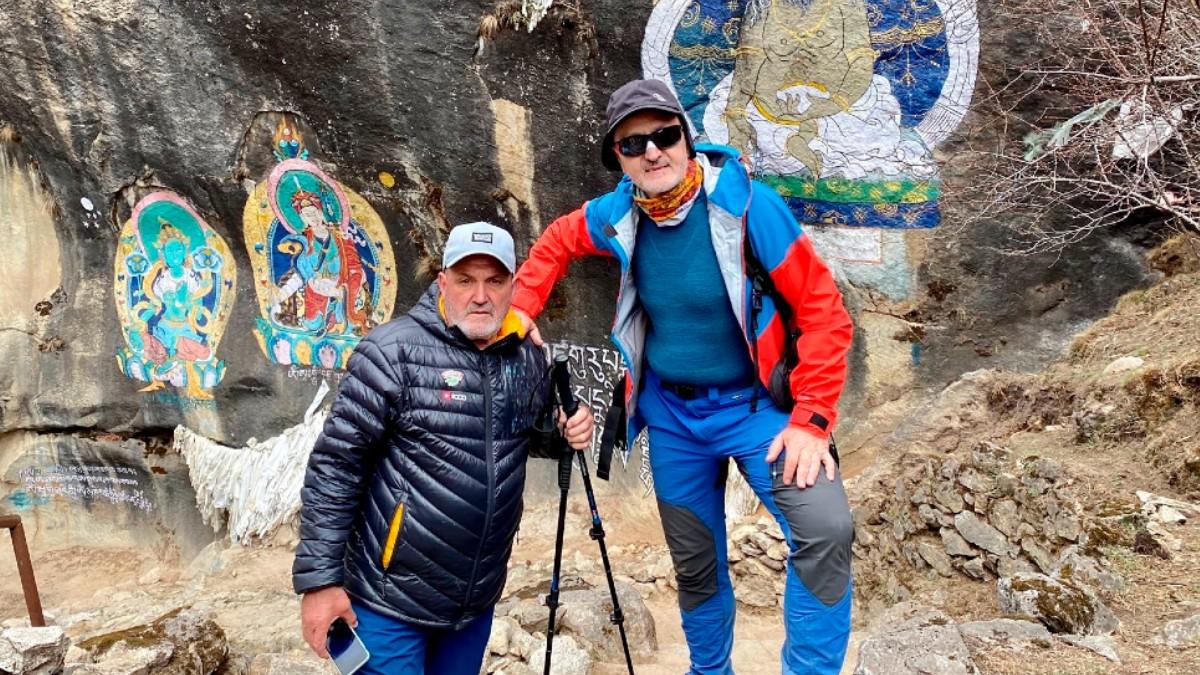 Sebastián Álvaro y Juanito Oiarzábal, en Nepal. (EFE)