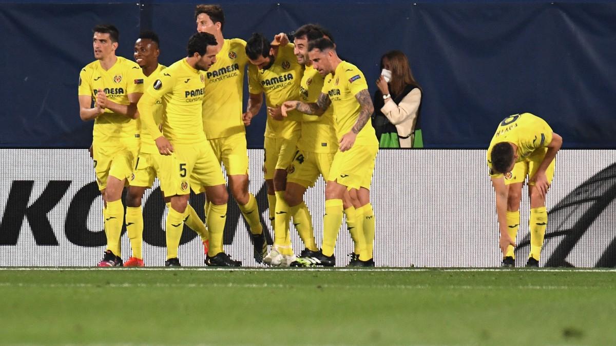 Los jugadores del Villarreal celebran un gol. (AFP)