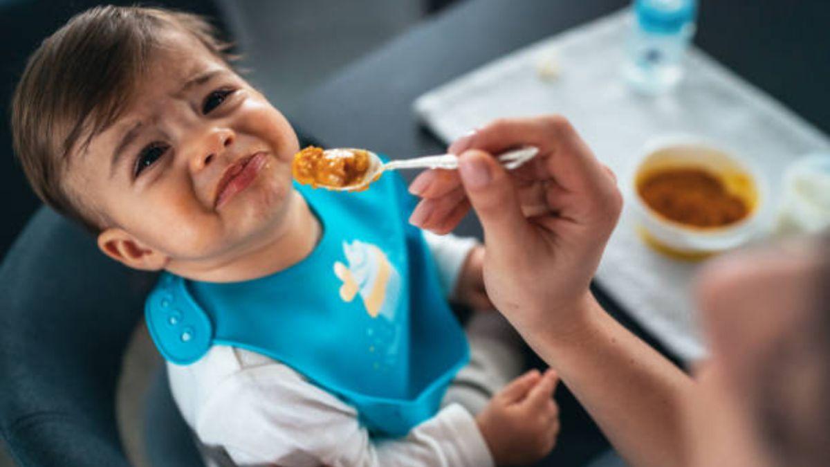 Qué hacer si el bebé no quiere comer con cuchara