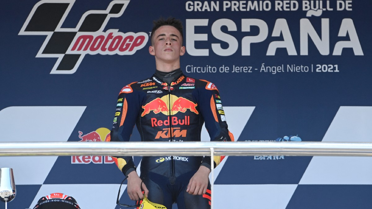 Pedro Acosta, tras conquistar el Gran Premio de España de Moto3. (AFP)