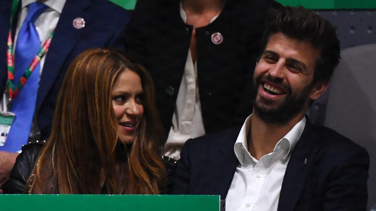 Piqué y Shakira en la final de la Copa Davis. (AFP)