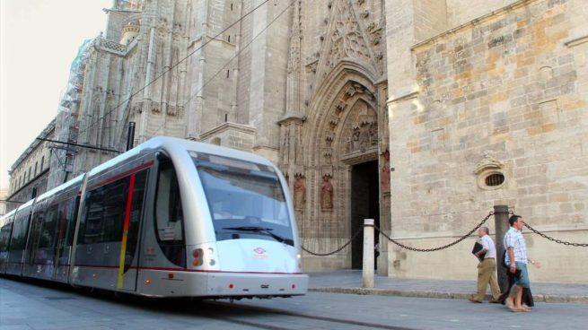 Ampliación del tranvía en la Sevilla del socialista Espadas: de proyecto subvencionado a costar 13 millones