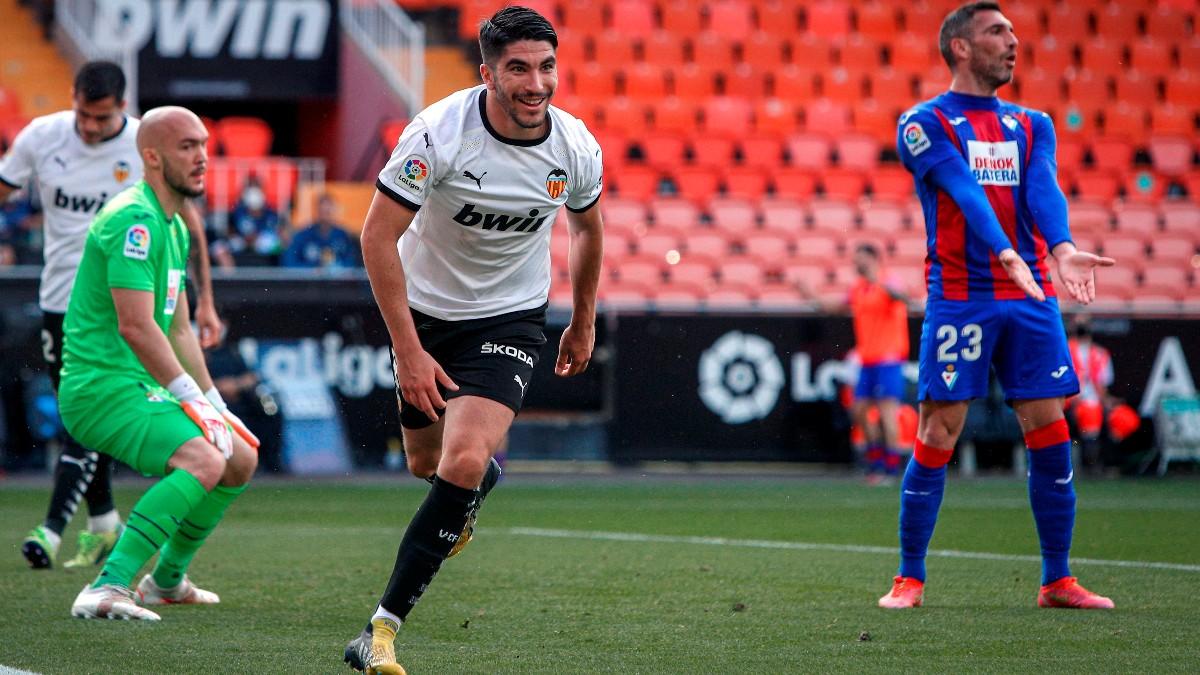 Carlos Soler celebra un gol. (EFE)