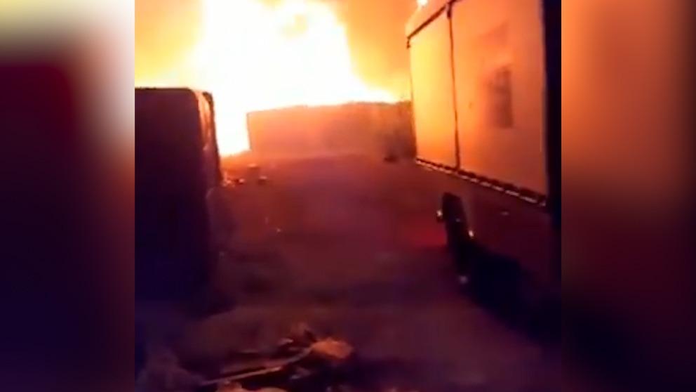 Incendio en asentamiento chabolista de Palos de la Frontera (Huelva).