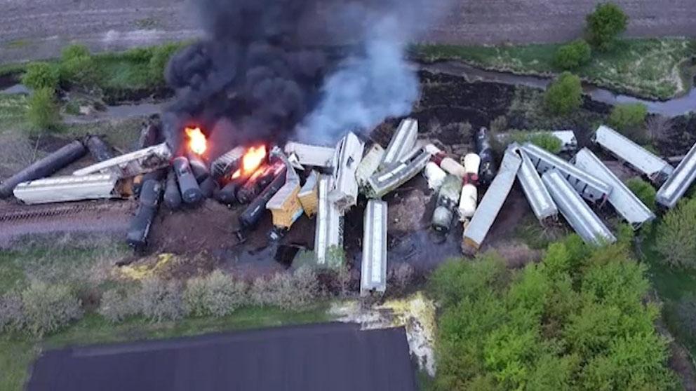 Descarrila un tren de 47 vagones con sustancias peligrosas en Iowa