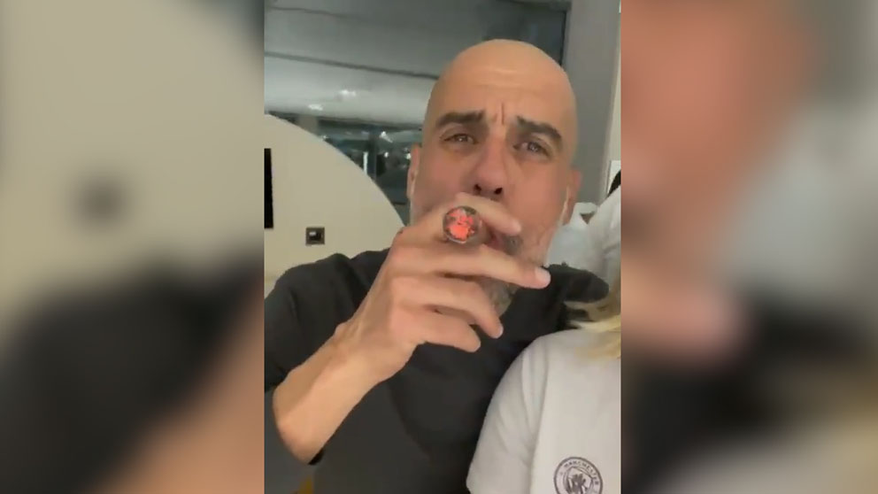 Guardiola, desbocado fumándose un puro y cantando