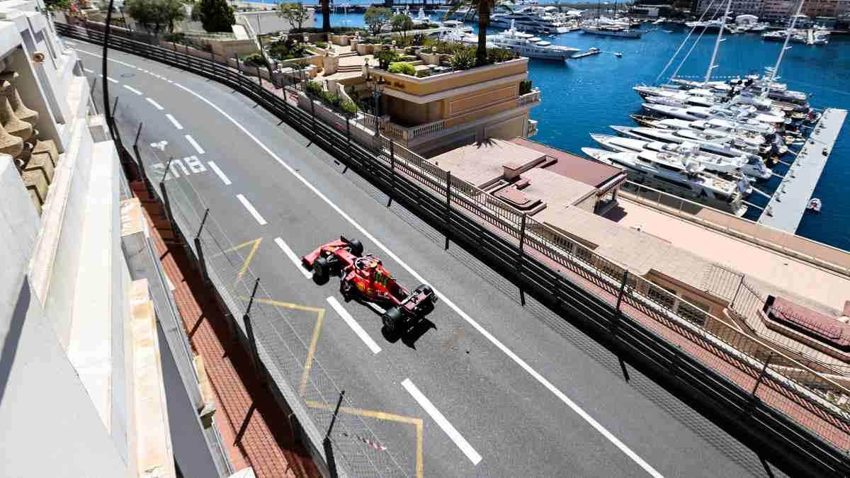 Carlos Sainz en la sesión de clasificación del Gran Premio de Mónaco. (AFP)