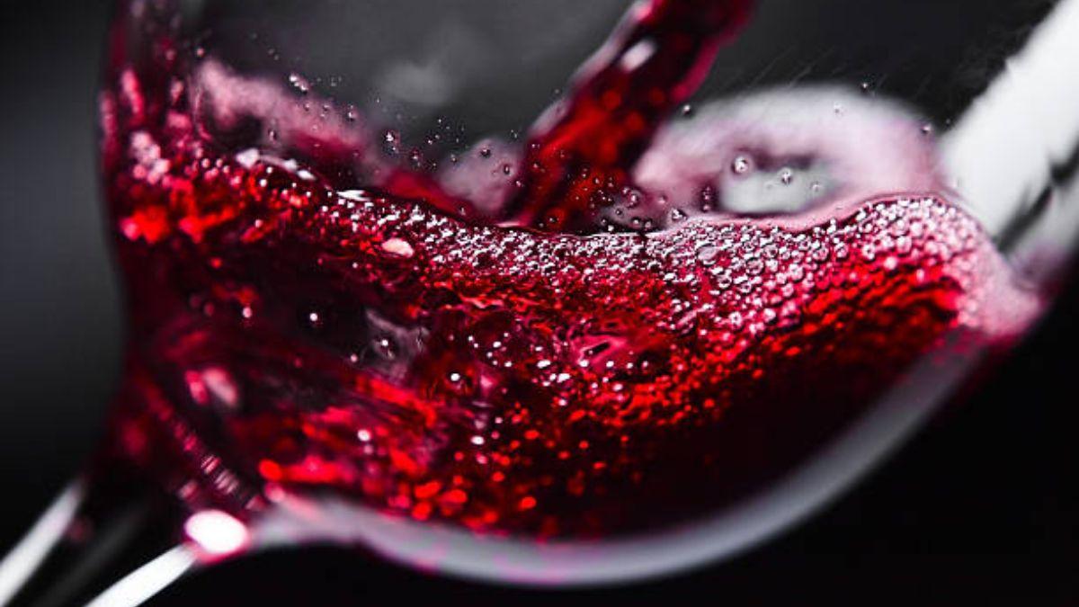 Descubre de qué modo puedes usar el vino para la limpieza de la casa