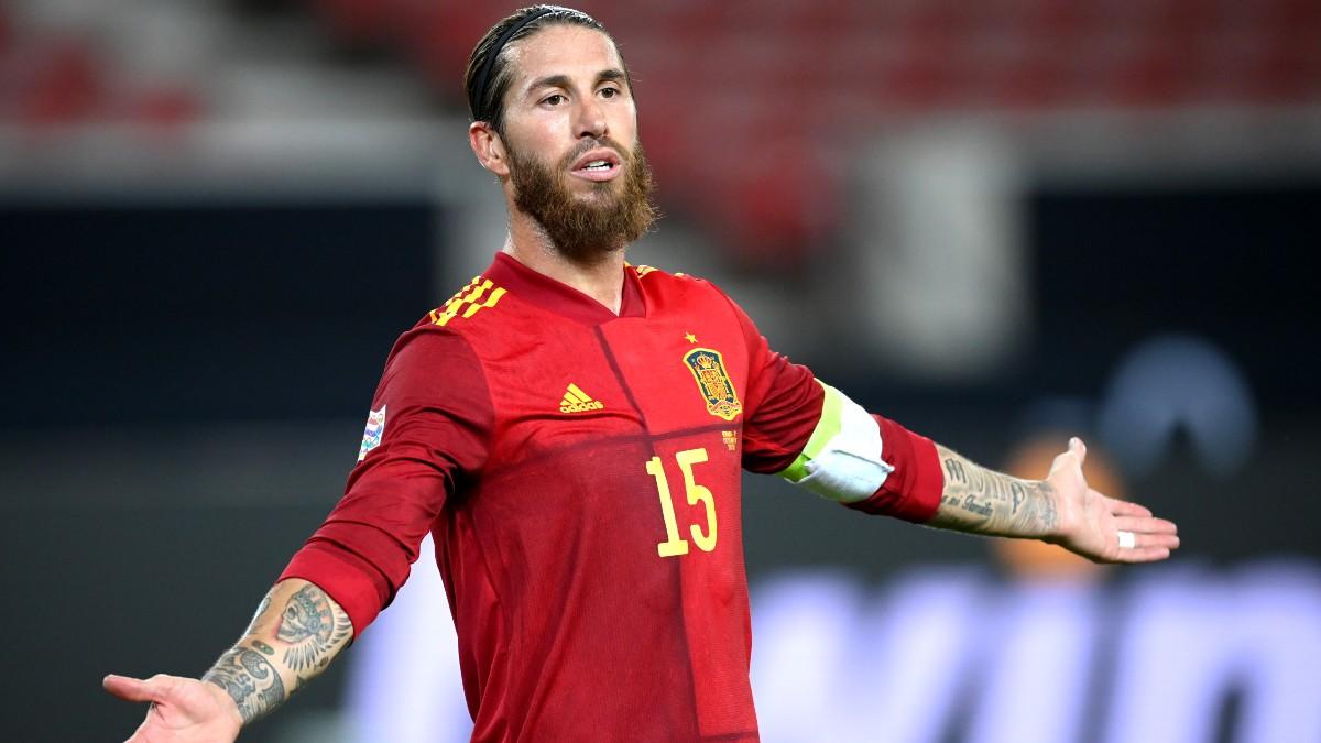 Sergio Ramos, en un partido con España. (Getty)