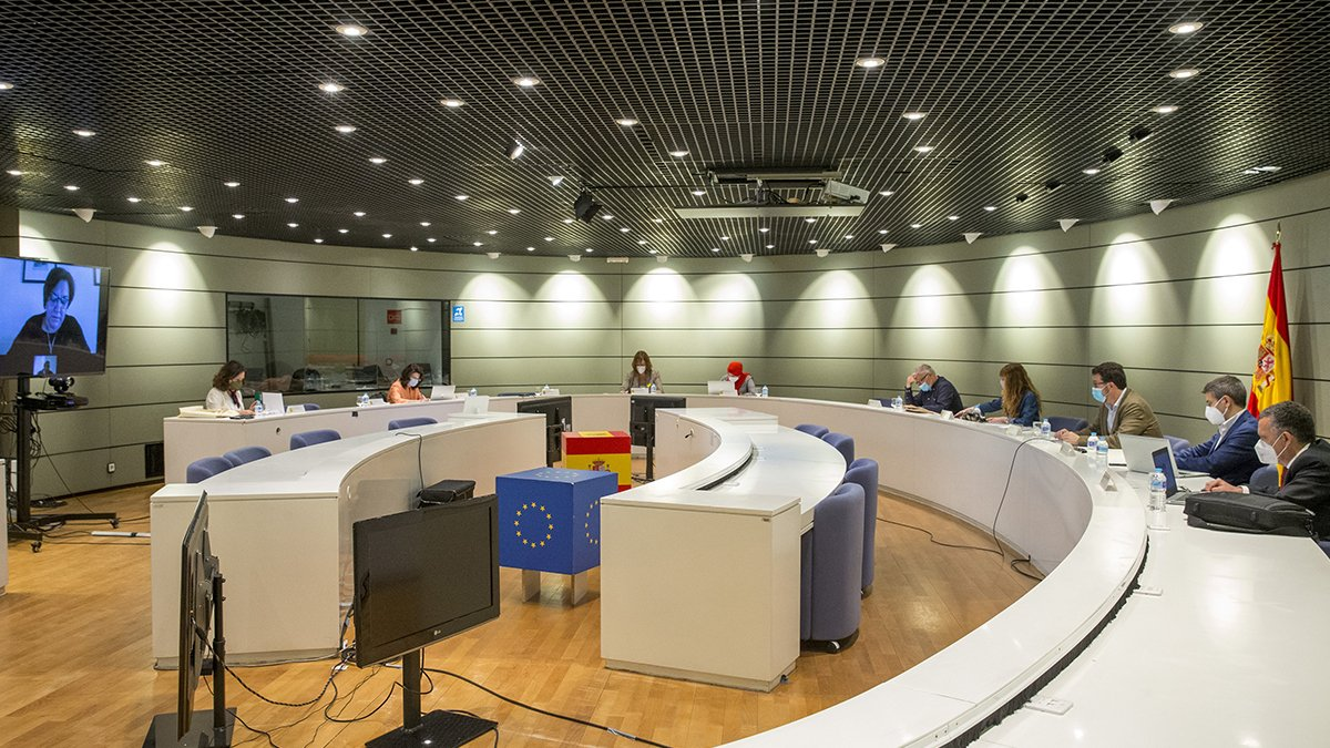 Reunión de la Comisión Tripartita que estudia la prórroga de los ERTE.