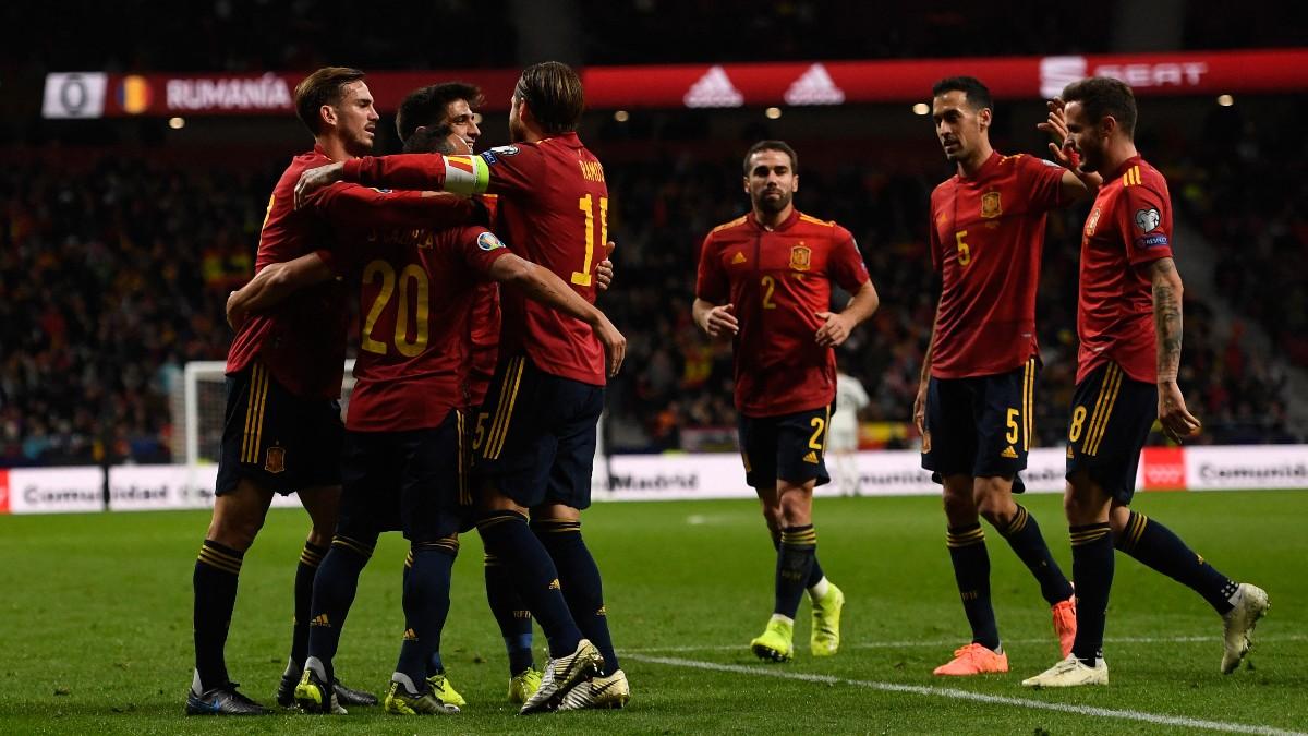 España celebra un gol en el metropolitano. (AFP)