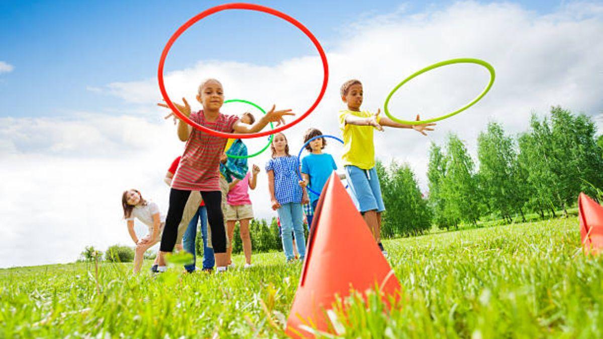 Los mejores juegos al aire libre con el hula hoop