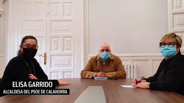 La alcaldesa de Calahorra, Elisa Garrido, y el delegado del Polisario en La Rioja.
